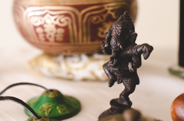 Ganesh, singing bowl and chimes